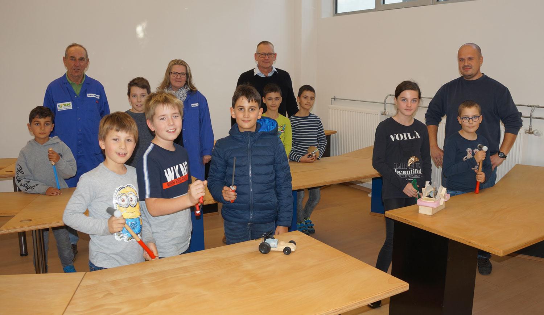 Schreibtische für Technik für Kinder (TfK)